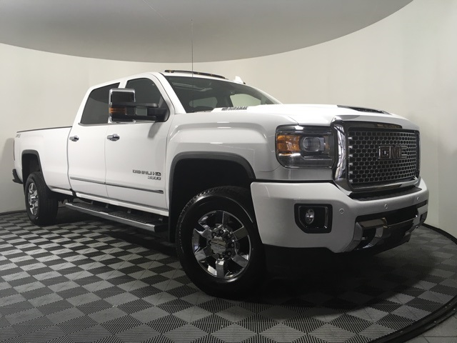 Certified Pre Owned 2017 Gmc Sierra 3500hd Denali 4d Crew Cab In Tom Kelley Buick 91258c Auto Group