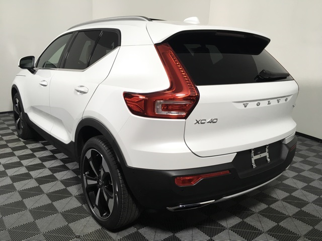 New 2019 Volvo XC40 T5 Inscription AWD